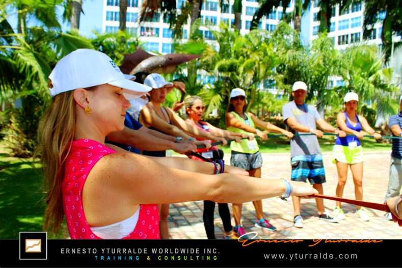 Team Building & Outdoor Training pra el Trabajo en Equipo en Ecuador | Ernesto Yturralde Worldwide Inc.